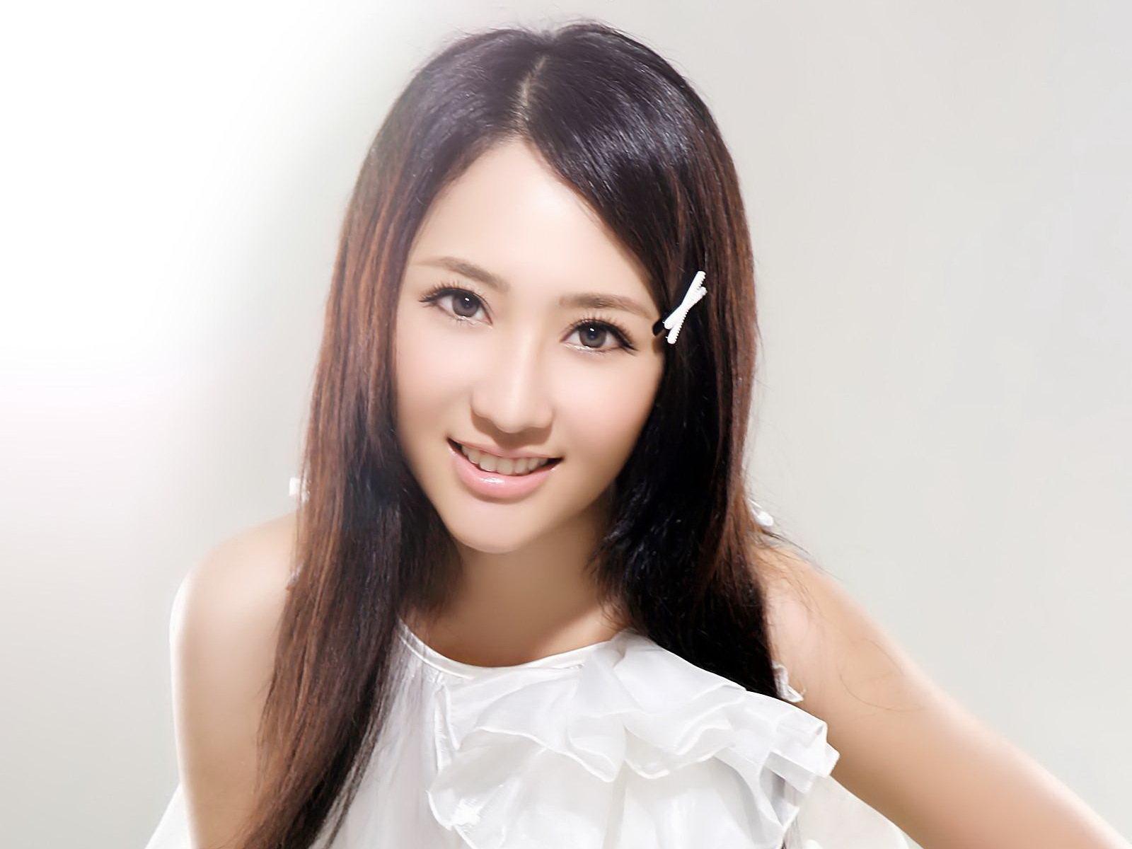 优优图片论坛 清纯美女艺术照写真酷似刘亦菲