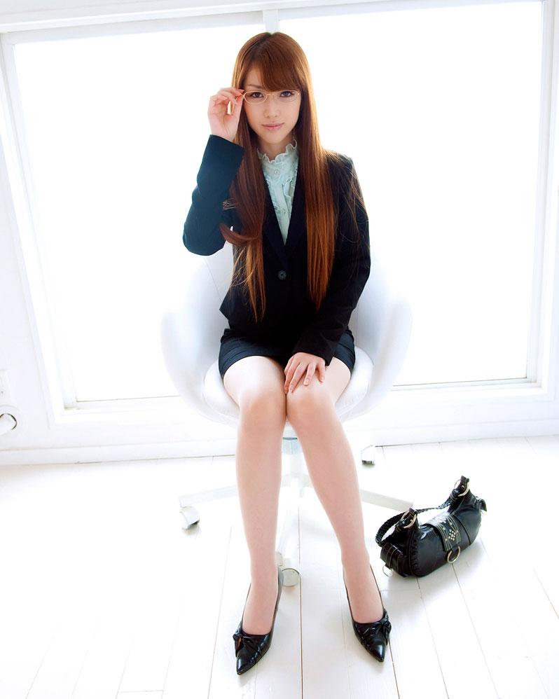16岁日本少女性感白领洋装