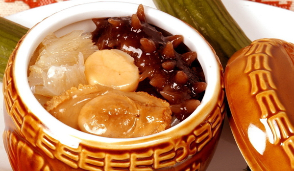 闽菜里最有名的就是佛跳墙了,不过要除了这道代表菜以外,闽菜里的