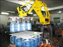 桶装水生产图