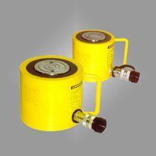 薄型千斤顶是分离式液压千斤顶,所以要注意液压泵的使用.
