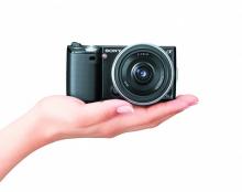 """数码相机迎来""""微单""""时代"""