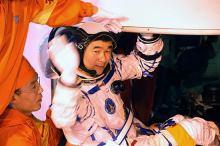 太空中的刘伯明