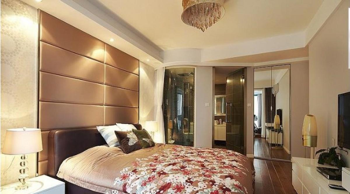 带卫生间主卧室硬包背景墙装修效果图图片