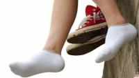 女生穿袜子的照片