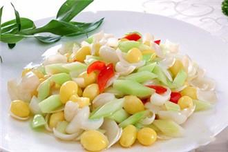 如何炒白果_白果可以单独炒着吃,也可以跟黄瓜,甜椒等蔬菜搭配炒着吃.