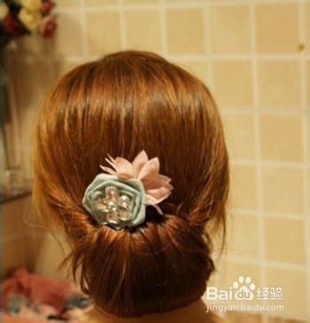 长发如何盘新娘简单盘发 新娘长发盘发步骤图解以下几款新娘发型由发图片