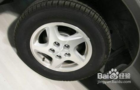 怎样判断汽车轮胎的磨损程度高清图片