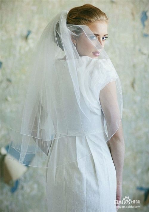 准新娘必学:如何根据婚礼场地挑选头纱图片