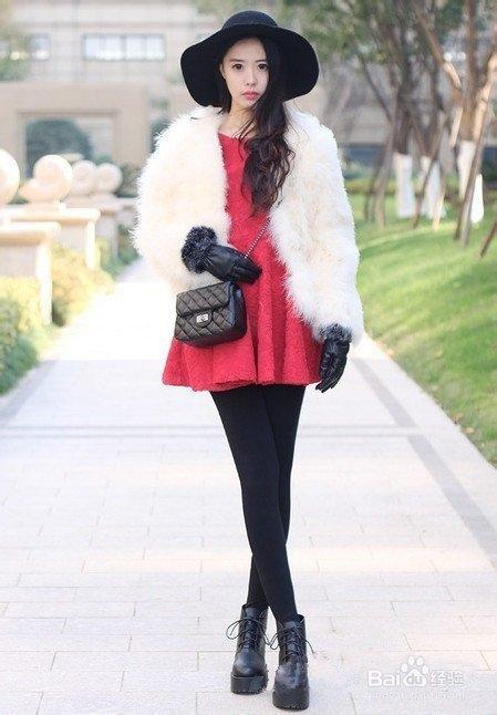 淑女风冬季搭配,外套配连衣裙