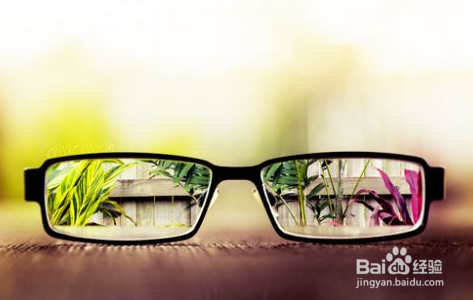 高度近视性感眼镜美女