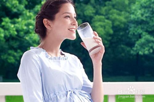 吃孕妇的乳汁