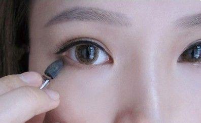 画眼线的技巧图解淡妆_淡妆眼线怎么画_淡妆眼线怎么画好看