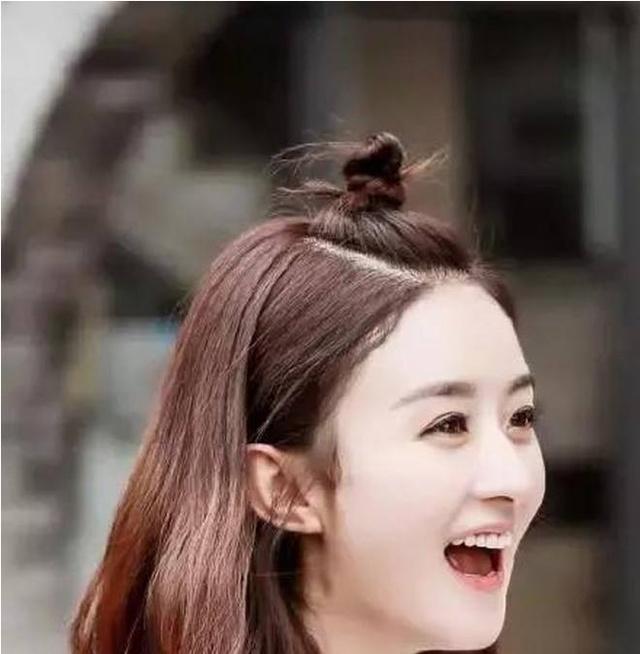 30岁的赵丽颖换了新发型年轻了不止10岁.图片