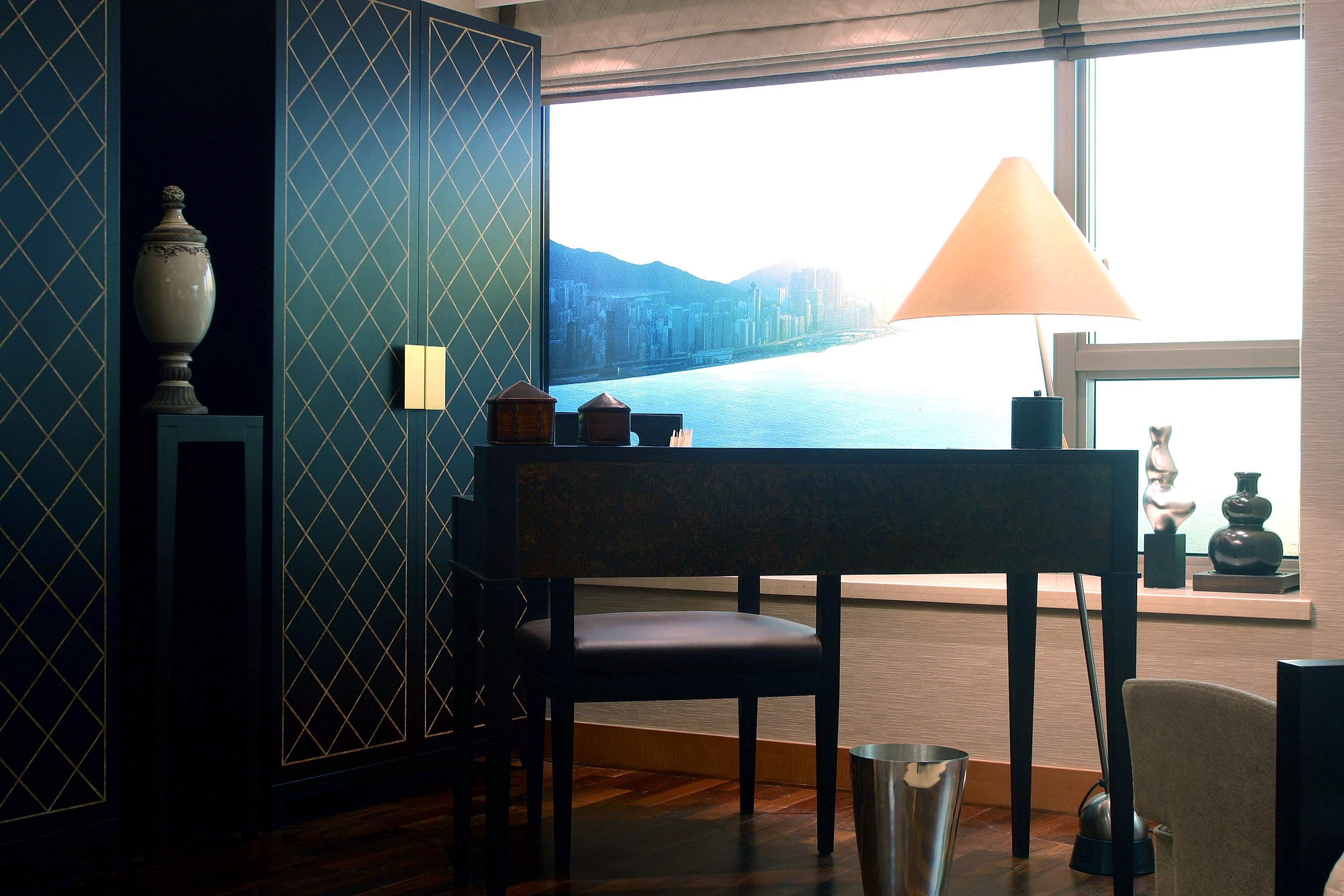 2013现代风格样板房豪华书房书柜椅子家具装修效果图欣赏 高清图片