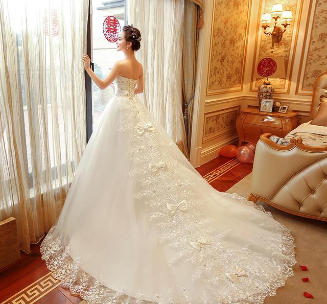 新娘婚纱发型造型八:直发披发新