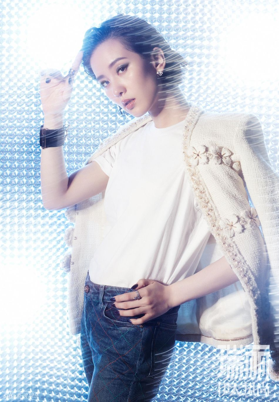 刘诗诗罕见尝试浓妆 烟熏妆搭配超短发魅惑帅气!图片