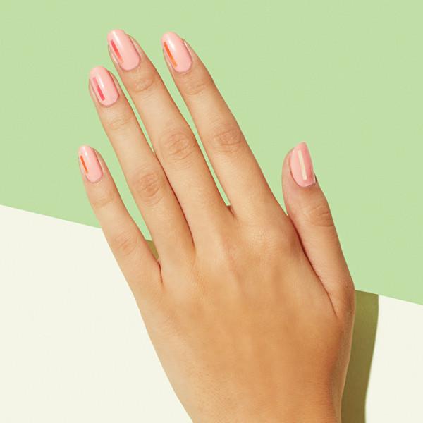 最有夏日感的线条风美甲,让指甲简约不简单图片