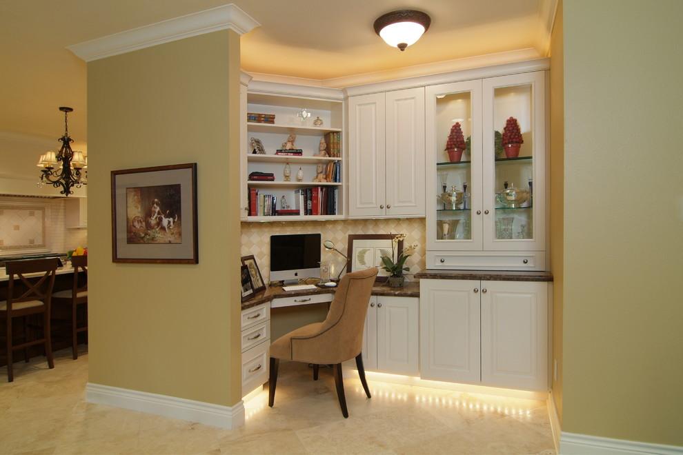 现代风格三室一厅经典书房书架书柜椅子书桌家居装修效果图 高清图片