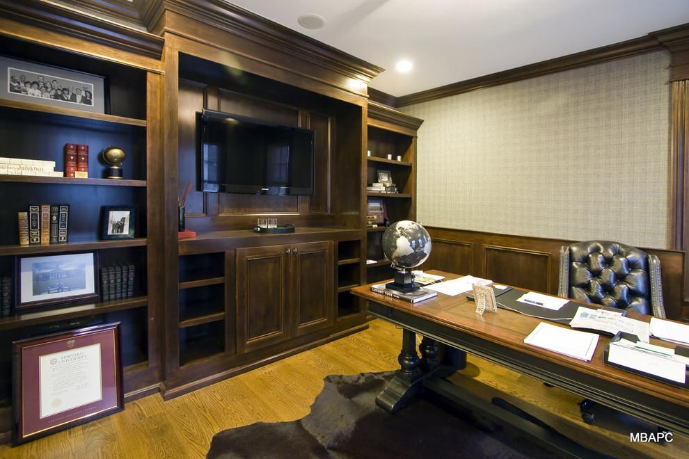 美式风格小户型豪华办公室书房书架书柜书桌椅子装修效果图 高清图片