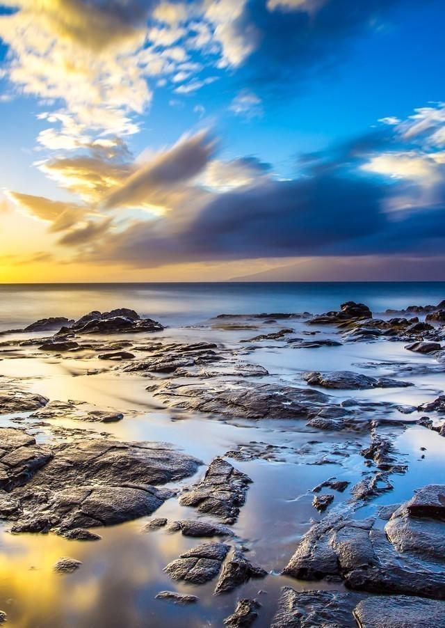 山川背景手机壁纸——《山因云晦明,云共山高下》图片