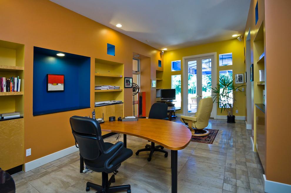 2013现代风格三室一厅家居书房书柜椅子书桌家具装修效果图高清图片