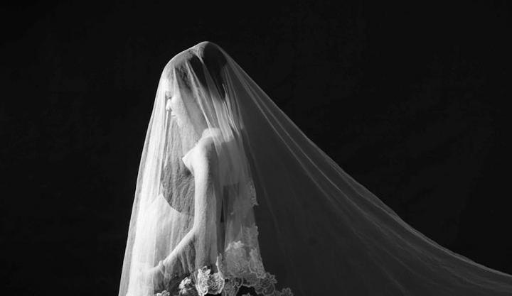 大连蒙娜丽莎婚纱摄影