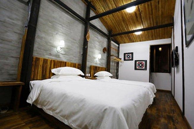背景墙 房间 家居 酒店 设计 卧室 卧室装修 现代 装修 654_436图片
