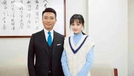 郑爽晒与康辉自拍照