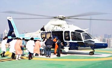警航直升机队紧急转运江苏危重男童