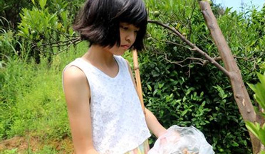 12岁女孩捡知了壳救父