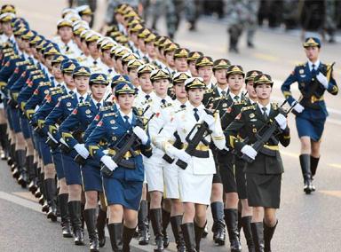 阅兵场上的对决, 中国的阅兵帅气很神气