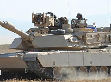 印度派坦克参加军事竞赛