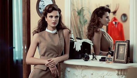 俄罗斯选出最美空姐 26岁姑娘制服诱惑夺冠