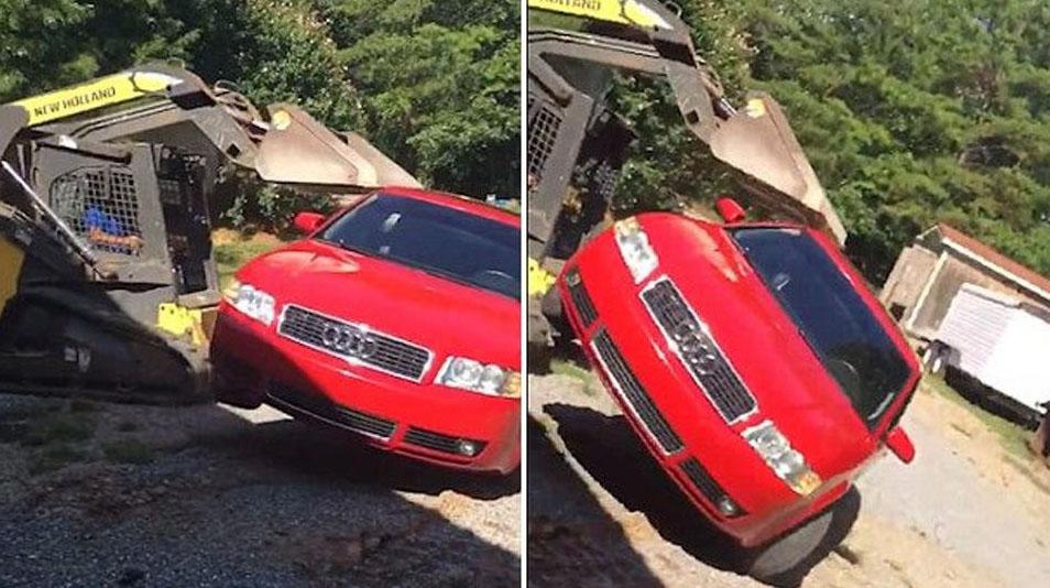 女儿车内偷约会 愤怒的爸爸开挖掘机砸车至报废