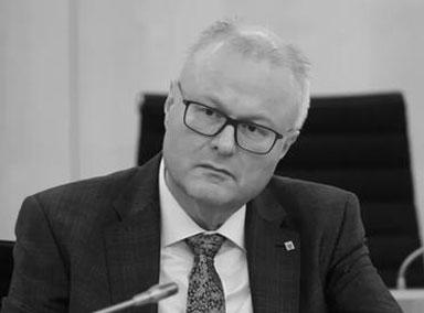 德国黑森州财政部长自杀