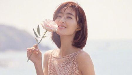 曝王丽坤与男友领证闪婚?