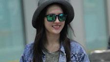 刘亦菲装束清纯甜美笑容迷人 网友:美哭了!