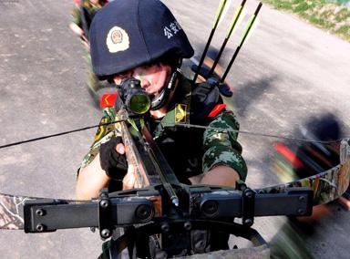 中国最强女兵:一人撂倒三名壮汉