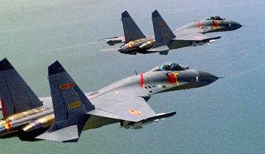 """中国空军""""三剑客""""五机编队联袂出击"""