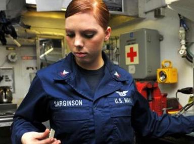美国航母数百名士兵感染疾病