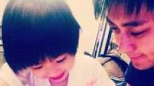 林志颖Kimi欢乐多 父子二人睡前玩游戏