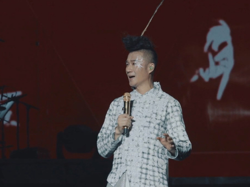 昆曲王子张军,把昆曲与流行音乐结合,举办昆曲万人演唱会