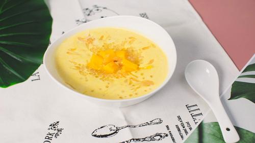 想给你做一碗杨枝甘露,一点点的酸和很多很多的甜!