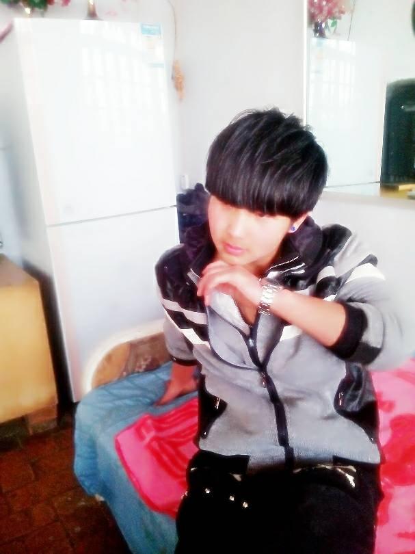 14岁男孩超帅照片大全,普通人的照片14岁,14岁穿什么内衣照片