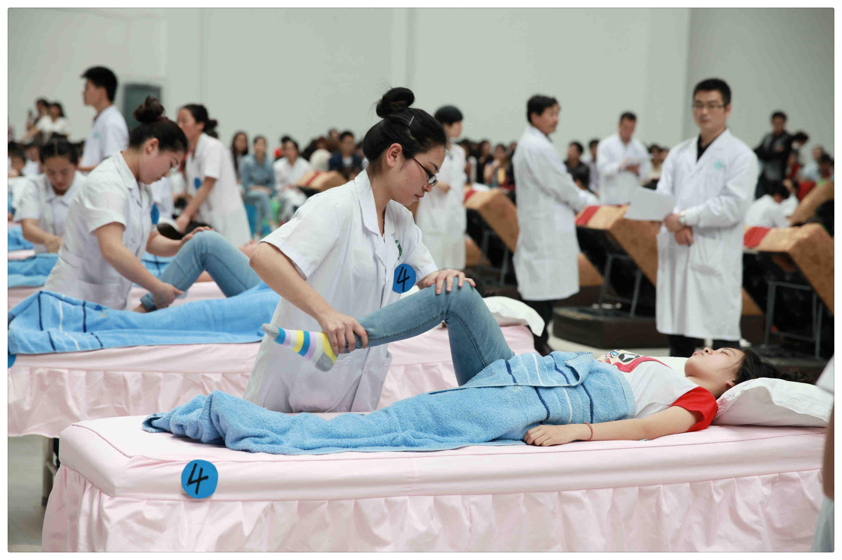 康复治疗技术专业_而患者的身心功能康复需要有大批康复治疗技术人员施行各种康复治疗.