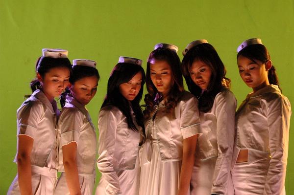 是2007年泰国电影《疯魔美女》