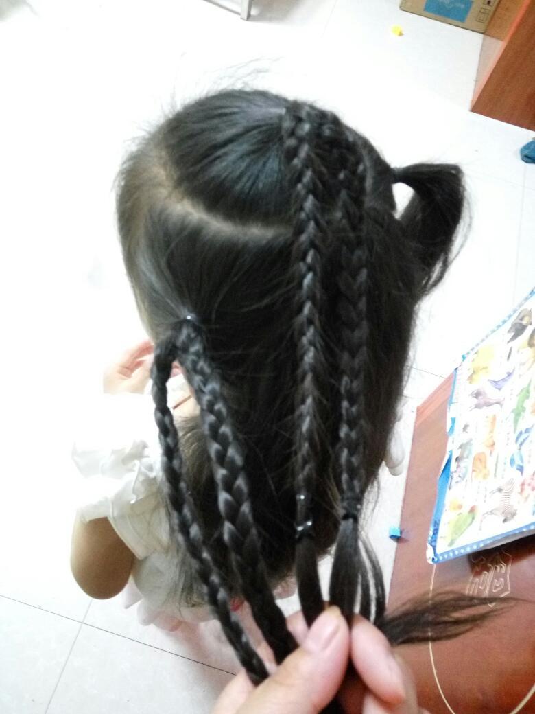 【萌宝发型】琪宝宝五角星发型图片