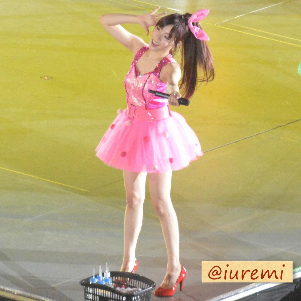少女时代日本二巡权侑莉演唱会服装
