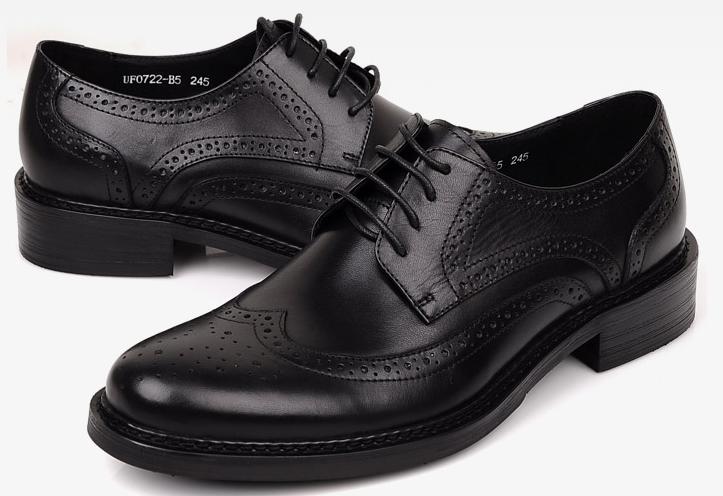 男生穿下面的黑色布洛克雕花皮鞋去面试可以吗图片